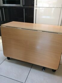 Dining Table - Gate Leg Table In Excellent Condition