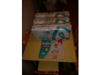 Pampers Baby-Dry Size 4, 174 Nappies, 9-14 kg, Monthly Pack