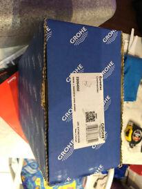 GROHE 23054002 | Eurodisc Cosmopolitan Single-Lever Basin Mixer Tap