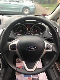 * Low mileage Ford Fiesta titanium*