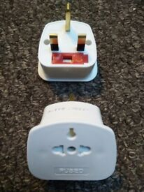 7 travel adaptor plugs, UK to Europe, US, China, Australia