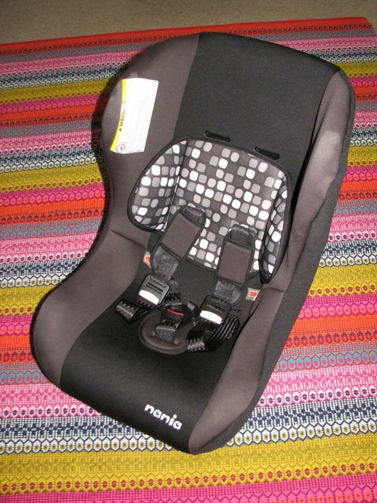 Nania Trio Plus Car Seat Group 0-1-2 / 0-25kg - £10 or nearest offer