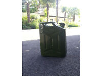 20L GREEN METAL FUEL JERRY CAN PETROL/DIESEL CONTAINER