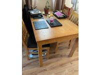 Extending oak veneer table and 6 chairs. Good condition SORRY ITS SOLD
