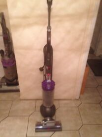 Vaccum dyson dc40 working and cleaned comes with tools