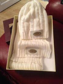 Ugg hat & scarf set