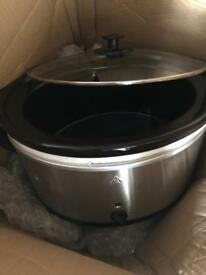 5.5 litter slow cooker brand new cost £29.99 take £15 new