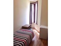 LOVELY SINGLE ROOM VERY CLOSE TO THE OVERGROUND STATION IN ZONE 2 - ALL BILLS & WI_FI INCLUDED