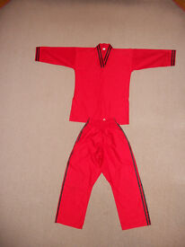 Child's Karate Outfit Pyjamas and 6 Belts age 8-9 years