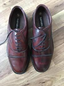 New and unused men's size 10 shoes
