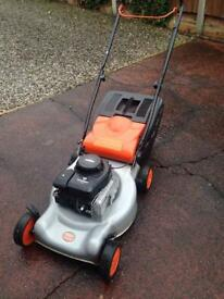 Flymo 46s petrol driven Lawnmower. Briggs & Stratton motor. In Good working condition