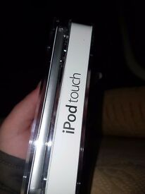 Silver Ipod touch 16gb, unopend brand new