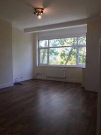 Double rooms for rent in Newbury park