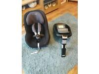 Maxi cosi car seat with electronic isofix base