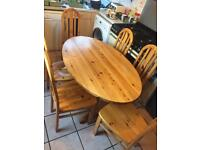 Lovely solid pine table and 6 chairs