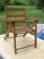VINTAGE CHILDS WOODEN FOLDING CAMPING CHAIR