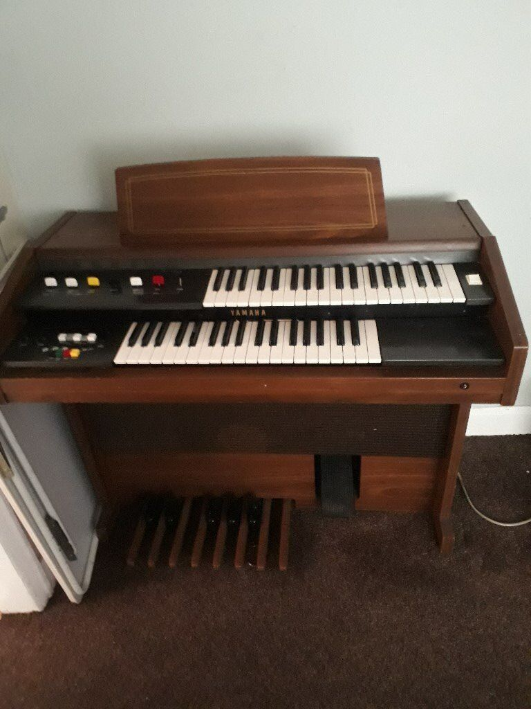 Yamaha Organ for sale it also has a plug. buyer is welcome to view