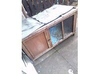 Rabbit hutch £40 ONO