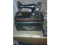 Antique Singer Sewing Machine with foot pedal