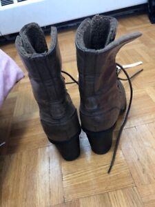 Womens high heeled winter boots