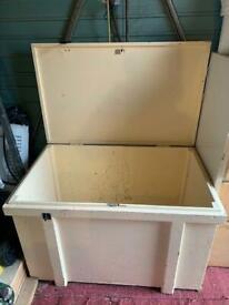 Toy box/chest