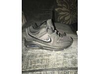 Kids Nike airmax black