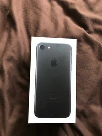 iPhone 7 32GB Matt Black 02