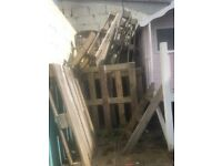 Free broken pallets and scaffold boards
