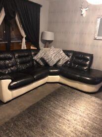 Large corner suite & large cuddle seat in black / cream all leather