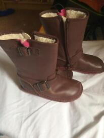 Clarks leather girls boots