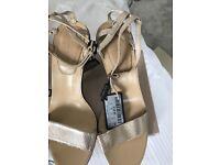 Brand New Massimo Dutti gold sandals Size 5 Eur 38