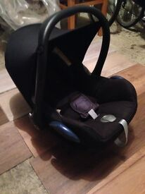 Maxi Cosi car seat (seat belt or ISO fix)
