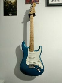 Fender Standard Stratocaster with Maple Fingerboard, Lake Placid Blue + Marshall Amp