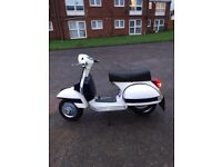 Vespa PX 125 T Reg 1999 White & Blue. What's app, text or email only as I'm deaf. Thanks