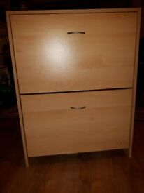 Shoe storage cabinet. In good/excellent condition.