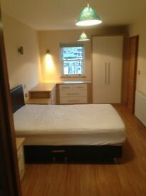 Fully Furnished large Double En-Suite Bedroom to let in a stone detached house in Netheredge S7 1HR