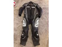 Ixon motorcycle leathers size small