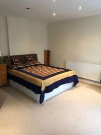 Large Double Room With En suit Bathroom To Let (House Share)
