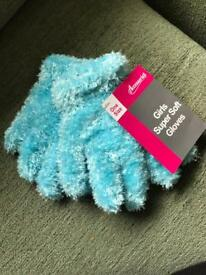 Girls super soft gloves