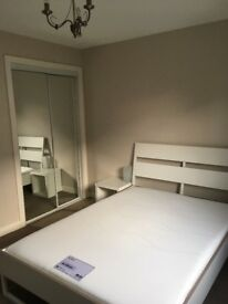 Modern fully furnished 2 bedroom flat to rent in West End of Glasgow