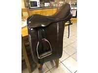 Ideal show saddle