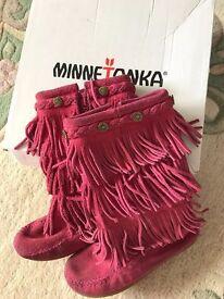 MInnetonka 3-Layer Fringe spring/summer boot US 13