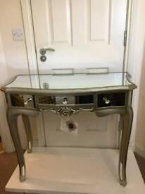 Fabulous Mirrored Dressing Table Brand New