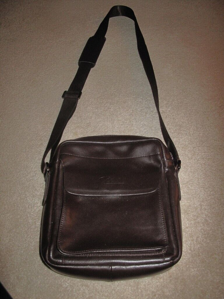 8253e351c5 Brown Leather Manbag