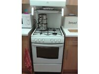 Freestanding White Gas cooker