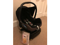 Maxi-Cosi CabrioFix Group 0 car seat with Family Fix (Isofix) base - excellent condition