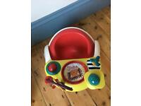 Snug seat and toy attachment mamas & papas
