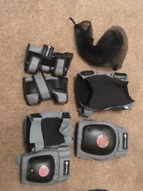 Set of skateboarding pads