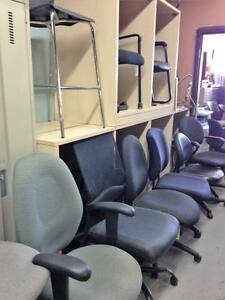 Armoire chaise fauteuil dans qu bec petites annonces for Meuble bureau guimond