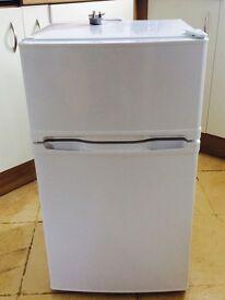 Nice 6 month old Flat Fridge-freezer